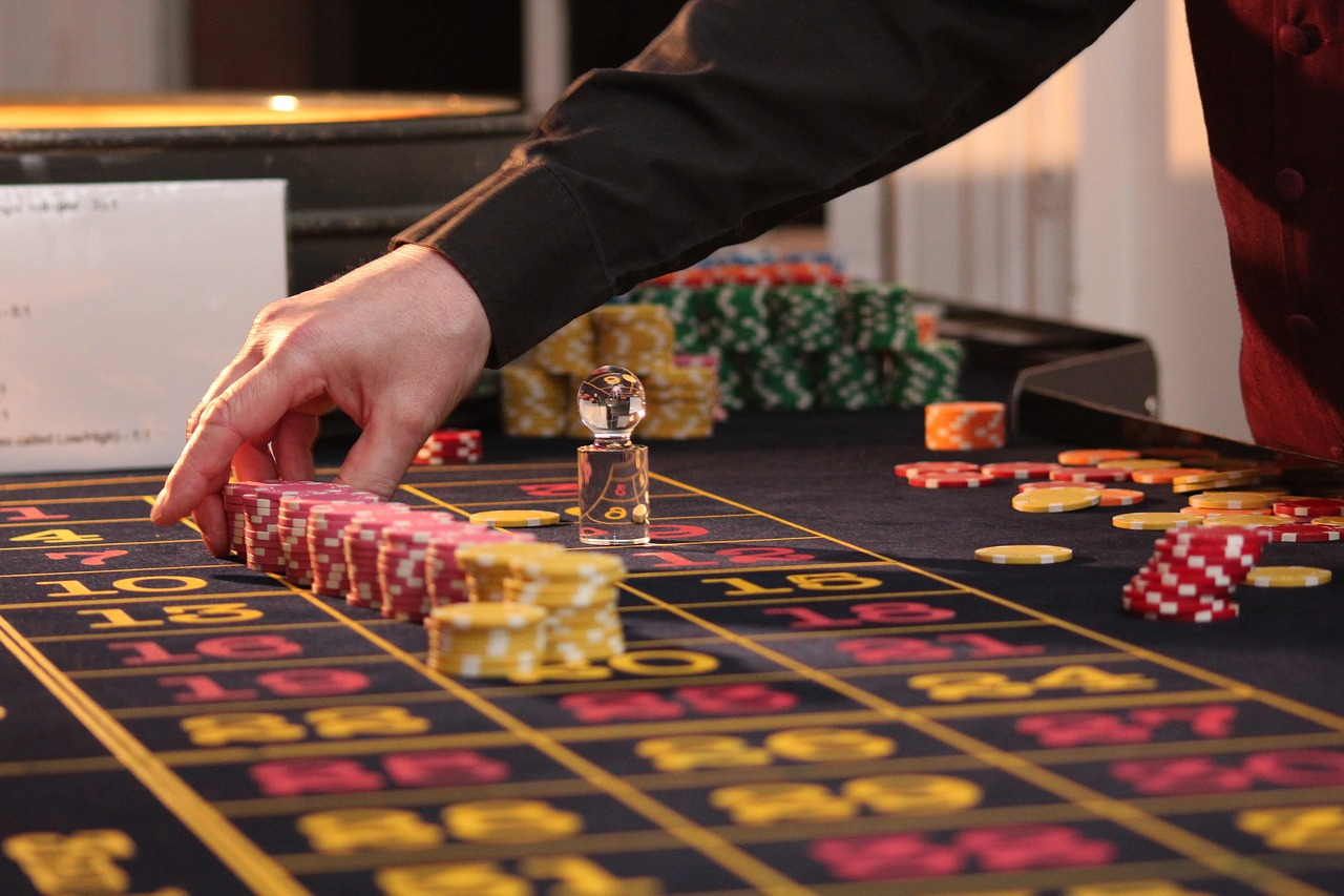 how to beat games of chance like roulette and sic bo online