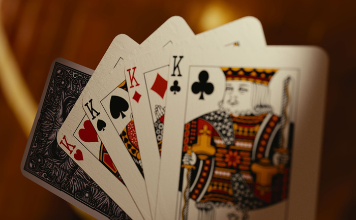 There are many high rollers playing cards games on most online casinos