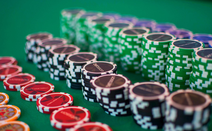 You can get great bonuses if you play in high roller casinos