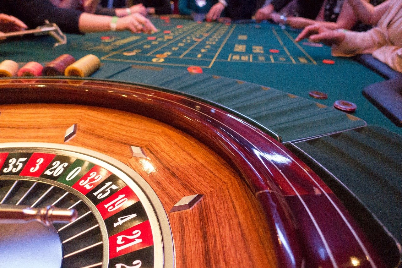 get loyalty points, big bonuses and more from online casinos