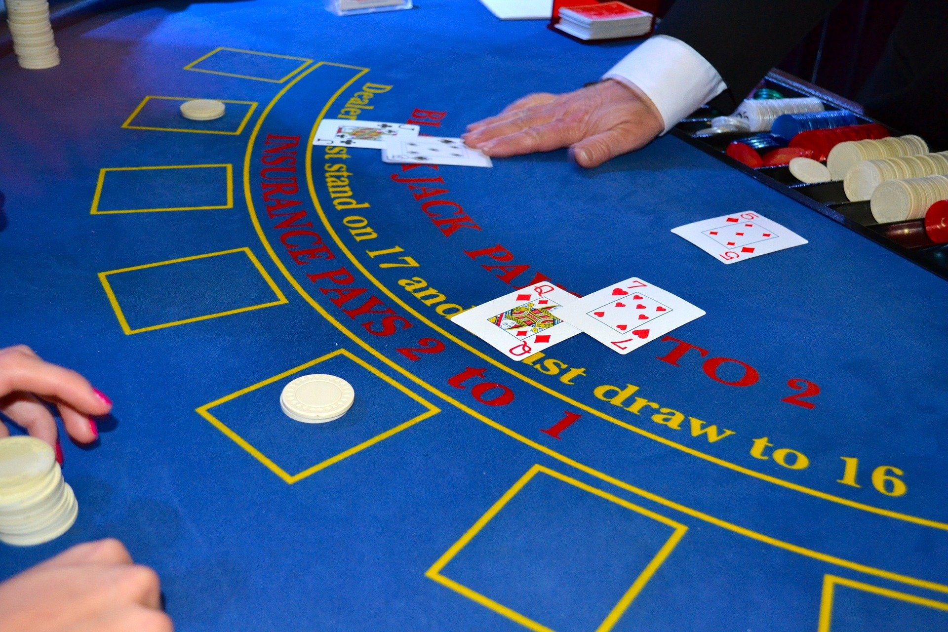 You can play and win a game of blackjack with ease